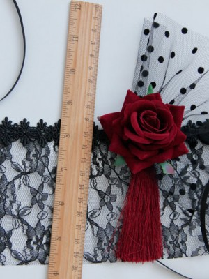Halloween Red Rose Race Veil